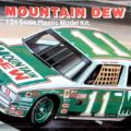 1982 Mountain Dew Buick Regal #11 Darrell Waltrip Monogram 2204