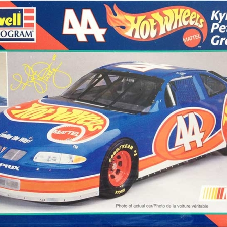 "1997 ""Hot Wheels"" Pontiac Grand Prix #44 Kyle Petty Revell Monogram 85-2524"